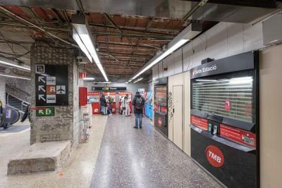 Vestíbul de Sants Estació de la L5 de metro, que comença ara la rehabilitació / Foto: MA. Cuartero